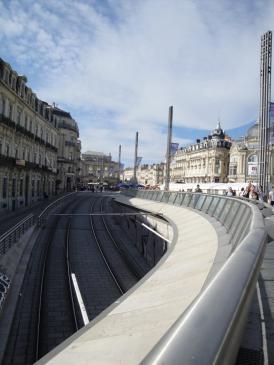 02.10.2009 Montpeller, una ciutat moderna. El traçat del tramvia pel seu pas per la Comédie            Montpeller -  Jordi Bibià