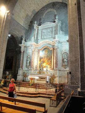 06.10.2009                       Interior de l'església de Sant Etiénne -  Jordi Bibià