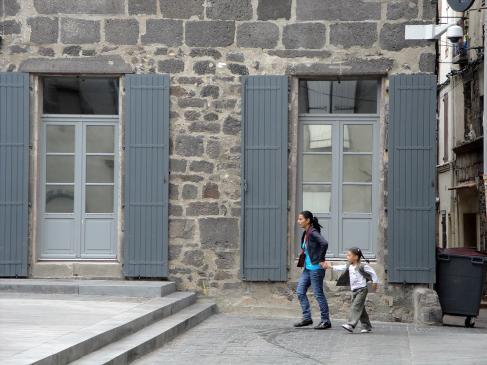 06.10.2009 Cap al cole!            Centre històric d'Agde -  Jordi Bibià