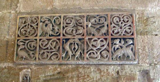 21.03.2008 Delicada ornamentació amb motius vegetals i animals localitzada al claustre de la Seu Vella  Seu Vella de Lleida -  Jordi Bibià