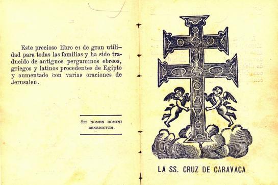 20.08.2010 Reproducció de la creu de Caravaca. Segons la tradició, aquesta creu fou introduïda a la Península i d'amagat, pels templers, i reb el nom de la població murciana que la custodia. Reproducció del llibre <em>Tesoro de oraciones</em>.                                        -  Jordi Bibià