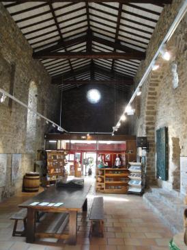 05.10.2009 L'oficina de turisme ubicada a l'antiga església de Sant Laurent              -  Jordi Bibià