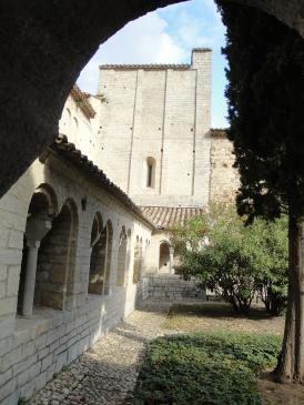 05.10.2009 Un altre aspecte del mateix claustre                -  Jordi Bibià