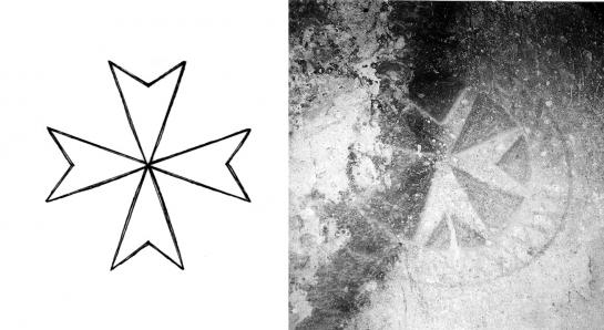 27.08.2010 Creu de l'ordre de Malta. En la foto la podem veure esculpida en una de les coves de la Capadòcia.                                Turquia    -  Maria Garganté