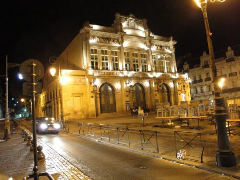 01.09.2009 Imatge nocturna del teatre de Besiers.            Passeig Paul Riquet   -  Jordi Bibià
