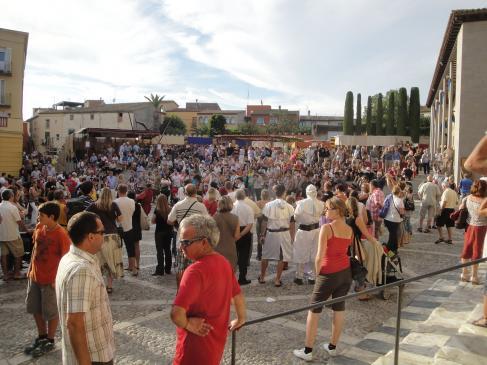 11.09.2010 Actes a la Plaça de Mossén Cinto Verdaguer.          Castelló d'Empúries -  Jordi Bibià