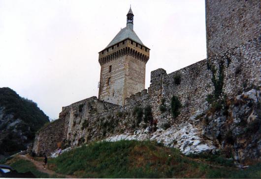 01.02.2011 Vista d'una de les tres torres del castell de Foix  Foix -  Jordi Bibià