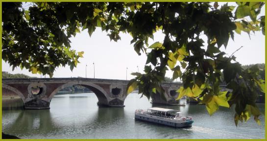 07.09.2011 Una imatge del Pont Nou, i del riu Garona. Tot i anomenar-se nou, de fet és el més vell que es conserva (mitjan s. XVII).  Tolosa del Llenguadoc -  Jordi Bibià