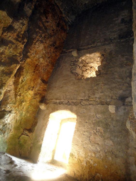 17.06.2012 Presó del castell, on és possible l'estada del malaurat Príncep de Viana  Castell de Morella -  Jordi Bibià