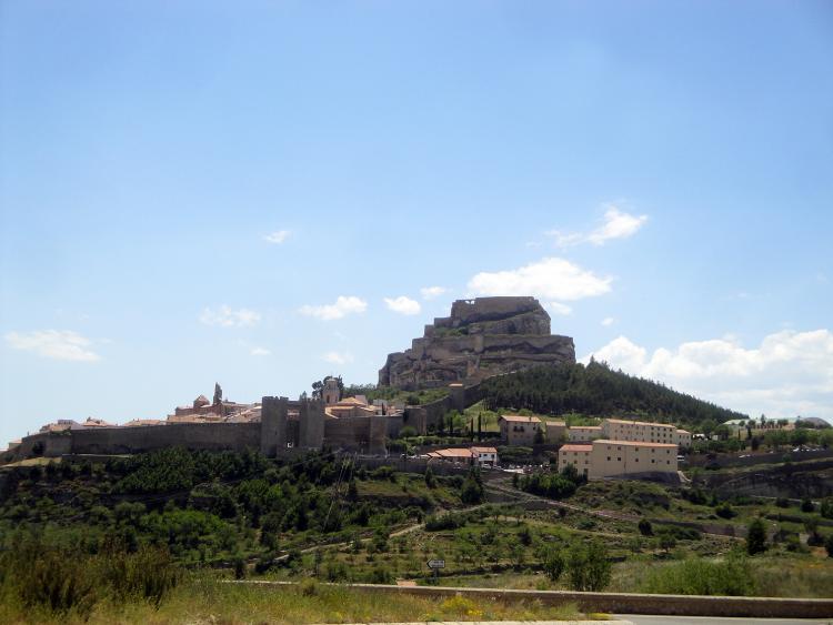 19.06.2012 Vista de Morella tot venint de la carretera d'Alcanyís  Morella -  Jordi Bibià