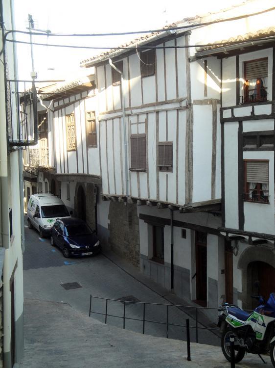 19.06.2012 Placeta dels Tarrascons. On s'ubica la comunitat càtara de Morella  Morella -  Jordi Bibià