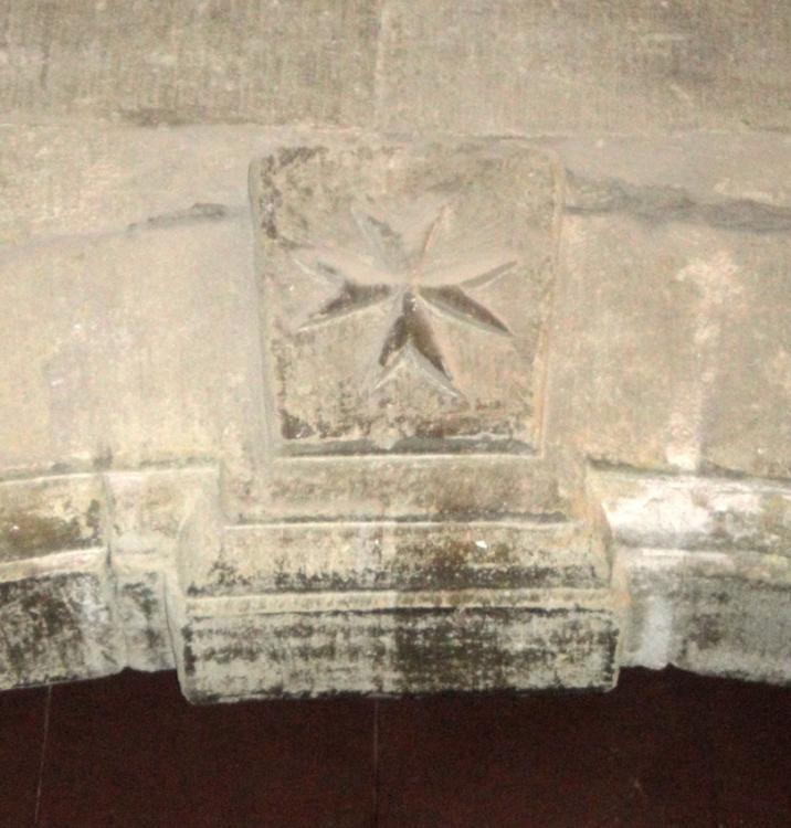 02.08.2012 Creu de Sant Joan de Malta a l'Església de Sant Joan.  C/ Major. Cervera -  Jordi Bibià