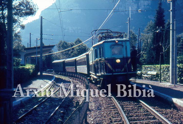 30.11.-0001 El carrilet.  Montserrat -  Miquel Bibià