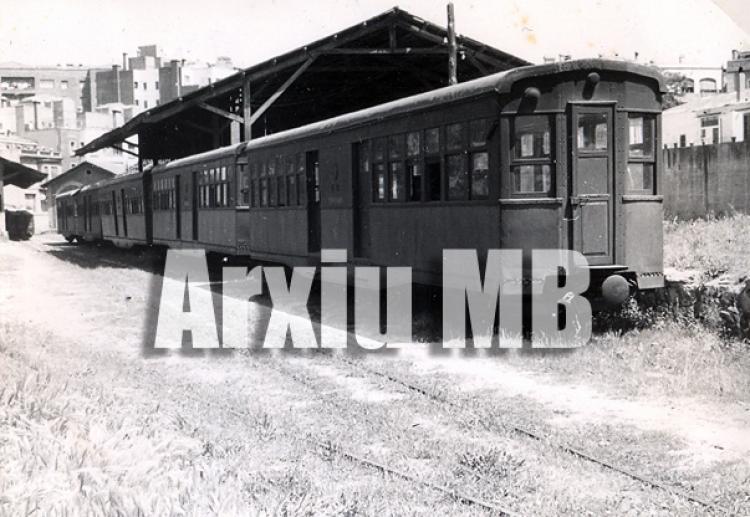 30.11.-0001 El carrilet de Sant Feliu de Guíxols  -  Miquel Bibià