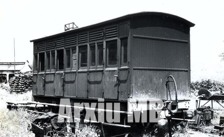 30.11.-0001 Vagó de dos eixos del Tren d'Olot.  -  Miquel Bibià