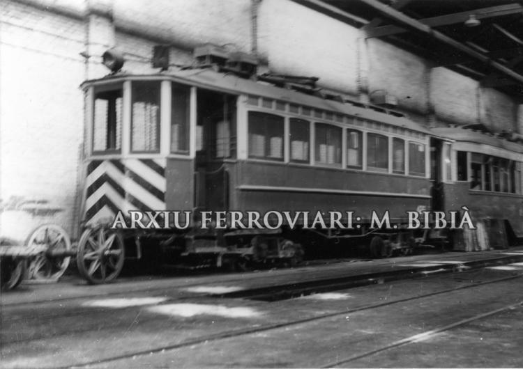 30.11.-0001 El 418. Tramvies al dipòsit.  Barcelona -  Miquel Bibià
