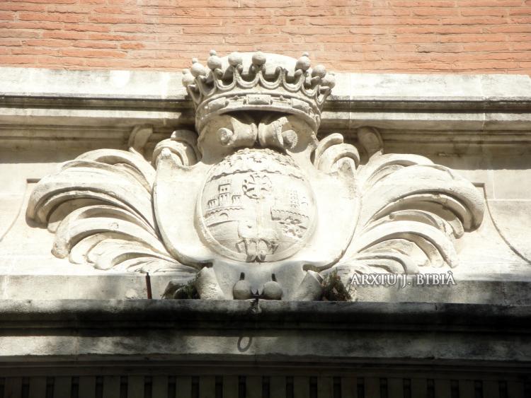 09.02.2011 Una altra representació de l'escut a la façana del col·legi de belles arts.  Tolosa del Llenguadoc -  Jordi Bibià