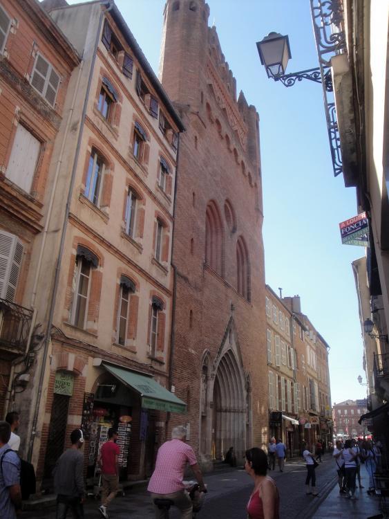 02.07.2013 Façana de Nostra Senyora del Taur, amb el característic maó cuit. Ss. XIII-XIV.  Tolosa del Llenguadoc. -  Jordi Bibià