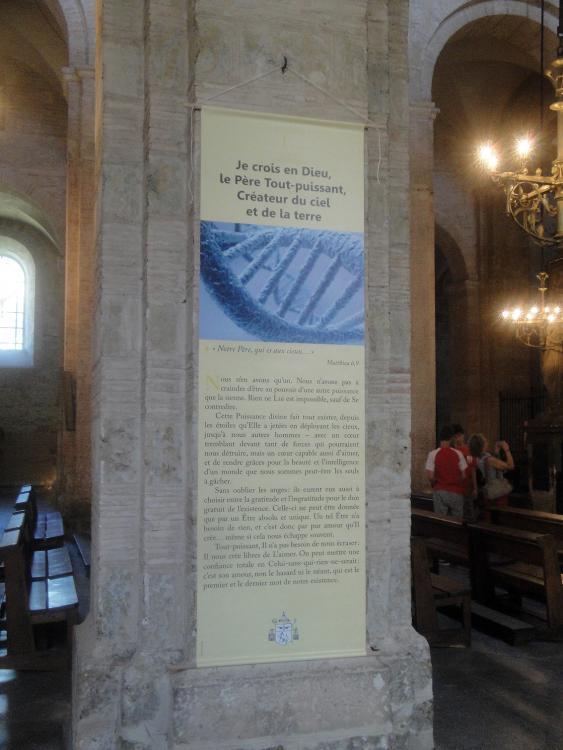 02.07.2013 Insòlita publicitat de fe i cadena de l'ADN. Després els copià la campanya el Banc de Sabadell.  Sant Serni de Tolosa del Llenguadoc. -  Jordi Bibià