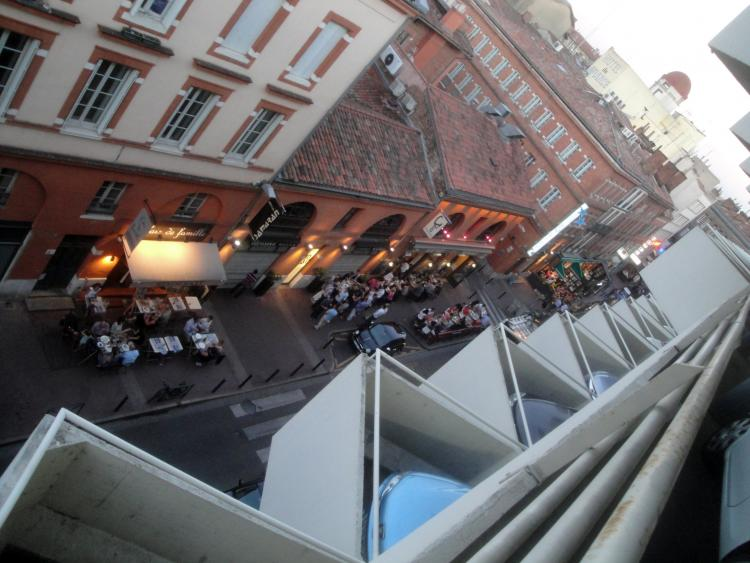02.07.2013 Imatge feta des del mercat.  Tolosa del Llenguadoc. -  Jordi Bibià