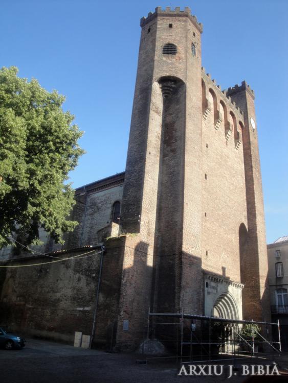 07.07.2013 Nostra Senyora del Camp. La façana-fortalesa és del s. XIV.  Pàmies. -  Jordi Bibià