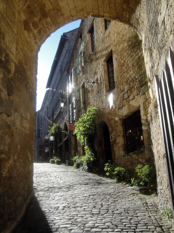 02.05.2013 Un dels accesos al doble recinte emmurallat.  Cordes. -  Jordi Bibià