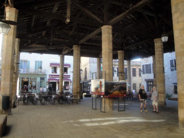 02.05.2013 la plaça porxada.  Cordes. -  Jordi Bibià