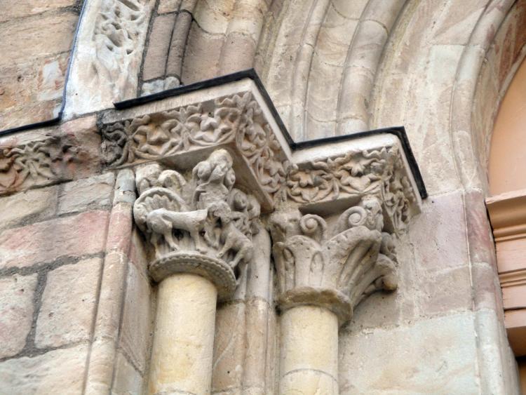 07.07.2013 Uns dels capitells de l'església romànica de Sant Volusià.  Foix -  Jordi Bibià