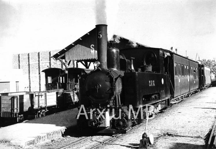 07.04.1967 El tren de Sant Feliu de Guíxols.  -  Miquel Bibià