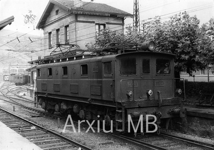 24.09.2014 Ferrocarril de Bilbao a Portugalete. Renfe.  -  Miquel Bibià Laplana