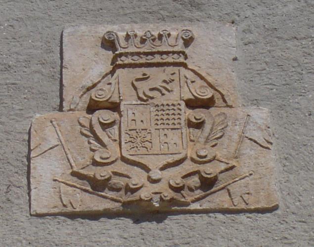 05.08.2005 Escut on són visibles els símbols del Bearn i de Navarra, entre d'altres.  Castelló de Farfanya. -  Jordi Bibià Balada