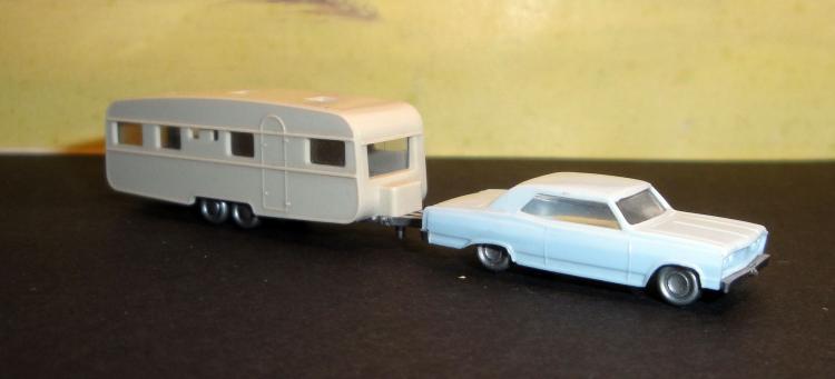 06.12.2016 Chevrolet Malibé amb caravana. Wiking. Escala N  -  Autor