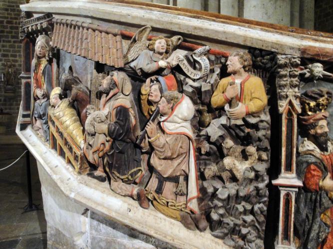 27.11.2017 Església deSanta Maria. Escala decorada amb grup escultòric.  Morella. -  Jordi Bibià