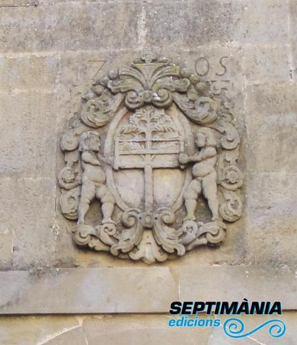 26.12.2017 heràldica de Serrateix.  Claustre del monestir de Serrateix. -  Jordi Bibià