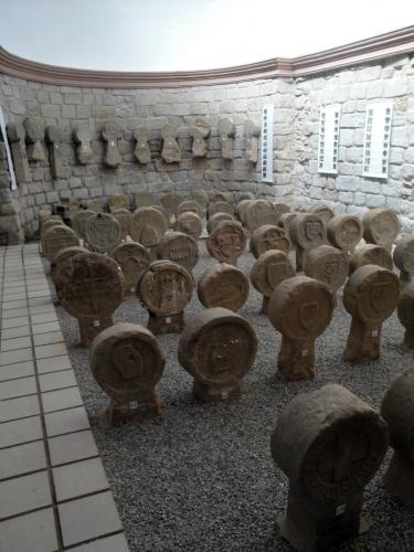 01.07.2018 Vista parcial del conjunt en la part de l'absi de la capella.  Capella de Santa Magdalena. -  Jordi Bibià