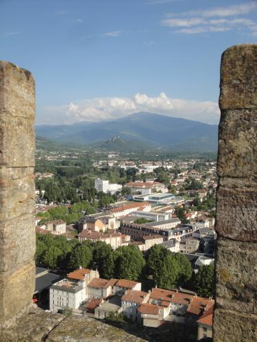 29.07.2018 Vista de Foix des del castell.  -  Jordi Bibià