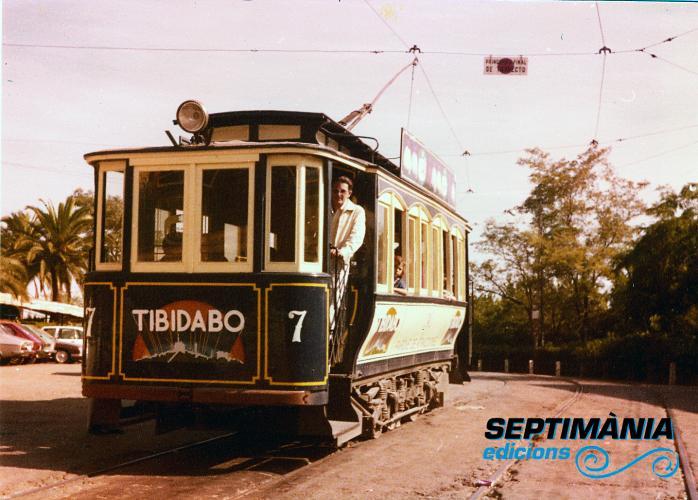 02.08.2018 El meu pare a dalt del tramvia.  Tibidabo -  Jordi Bibià