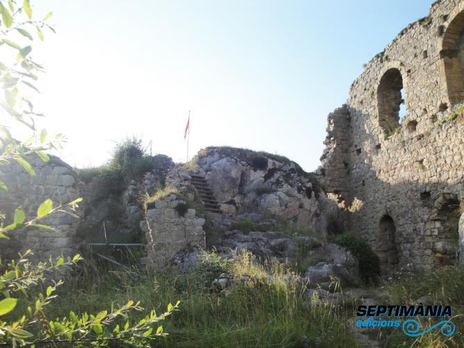 02.08.2018 Interior del castell.  Rocafixada -  Jordi Bibià