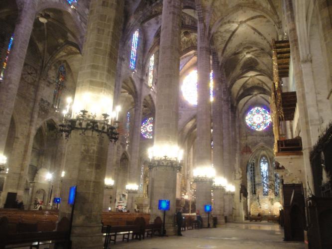 26.12.2019 Interior catedral.  Palma -  Jordi Bibià