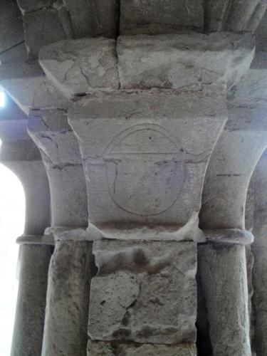 09.01.2020 Heràldica dels Calders en un dels capitells del claustre.  Vallbona de les Monges. -  Jordi Bibià