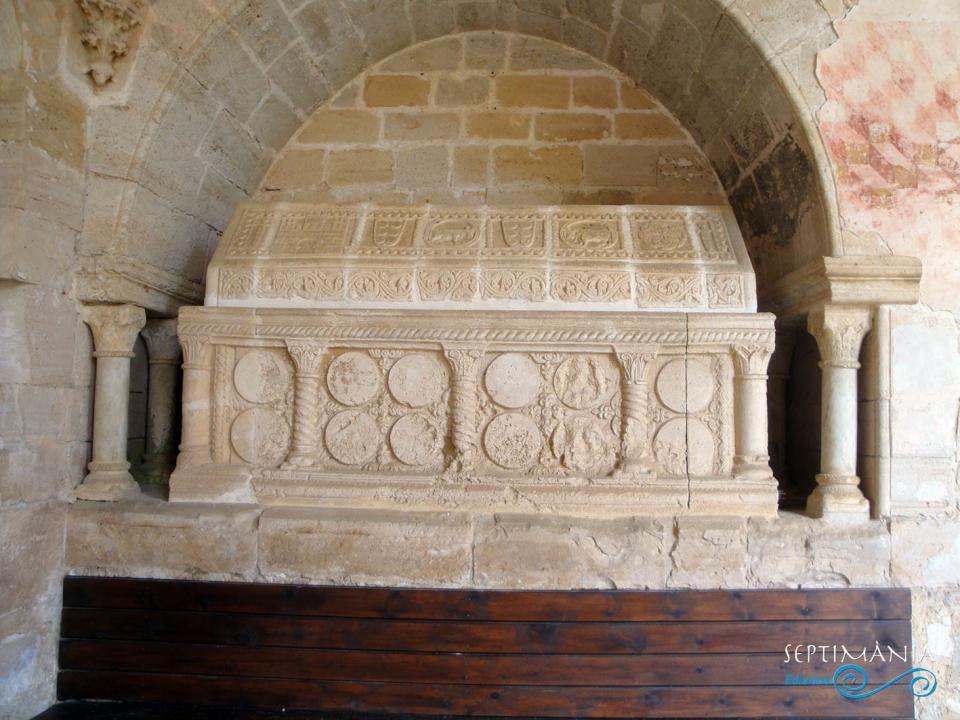 24.05.2021 Els Montcada.  Al claustre de Santes Creus -  J. Bibià