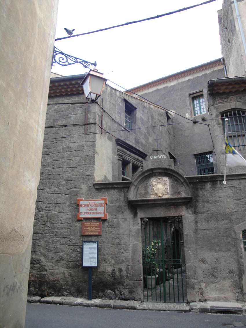06.10.2009 <em>Museon agatenc. Fougau de l'Escolo dau Sarret.</em> Pendent de visitar              -  Jordi Bibià