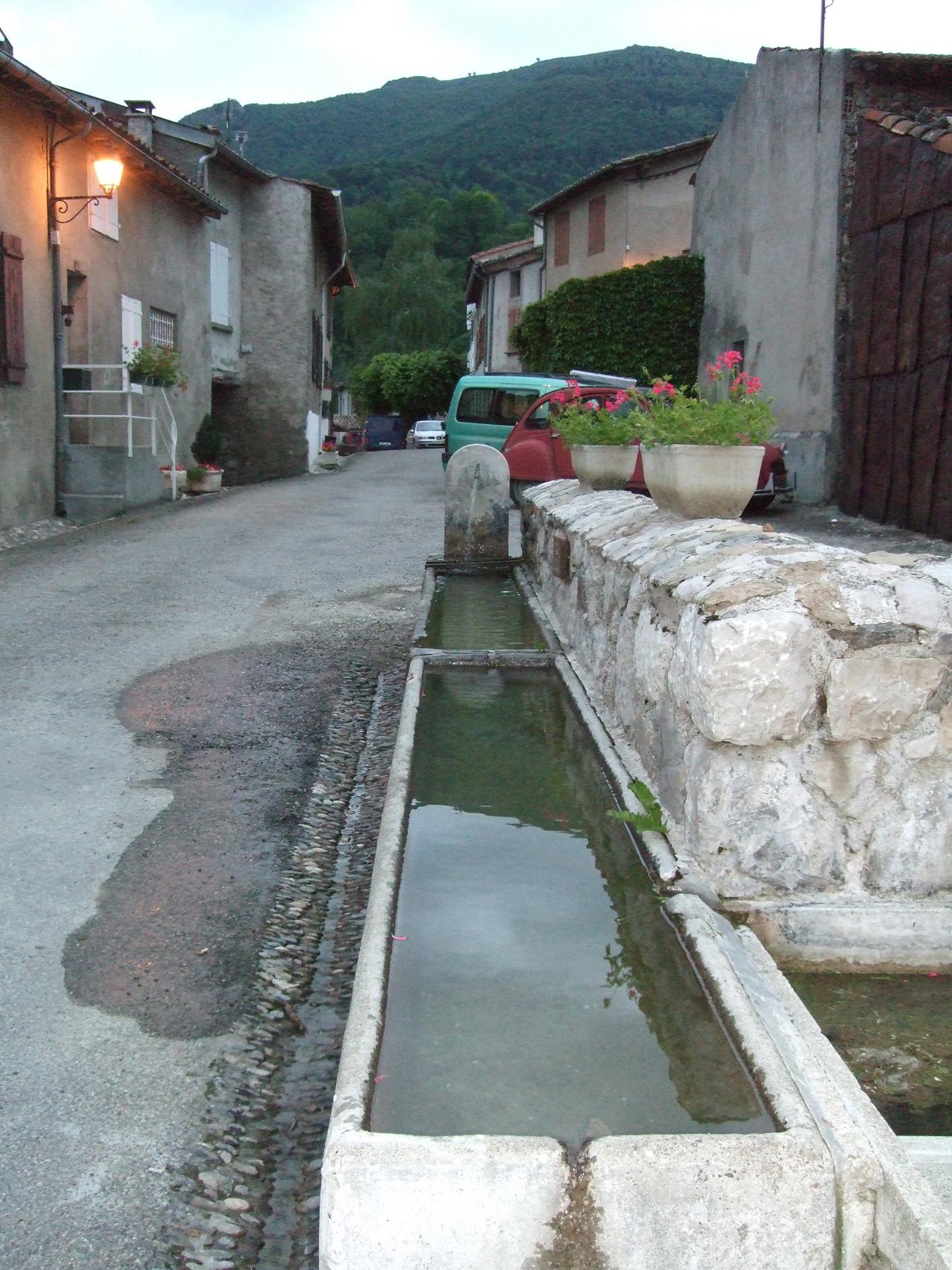 28.03.2008 Una volta pel poble.            Montsegur -  Jordi Bibià