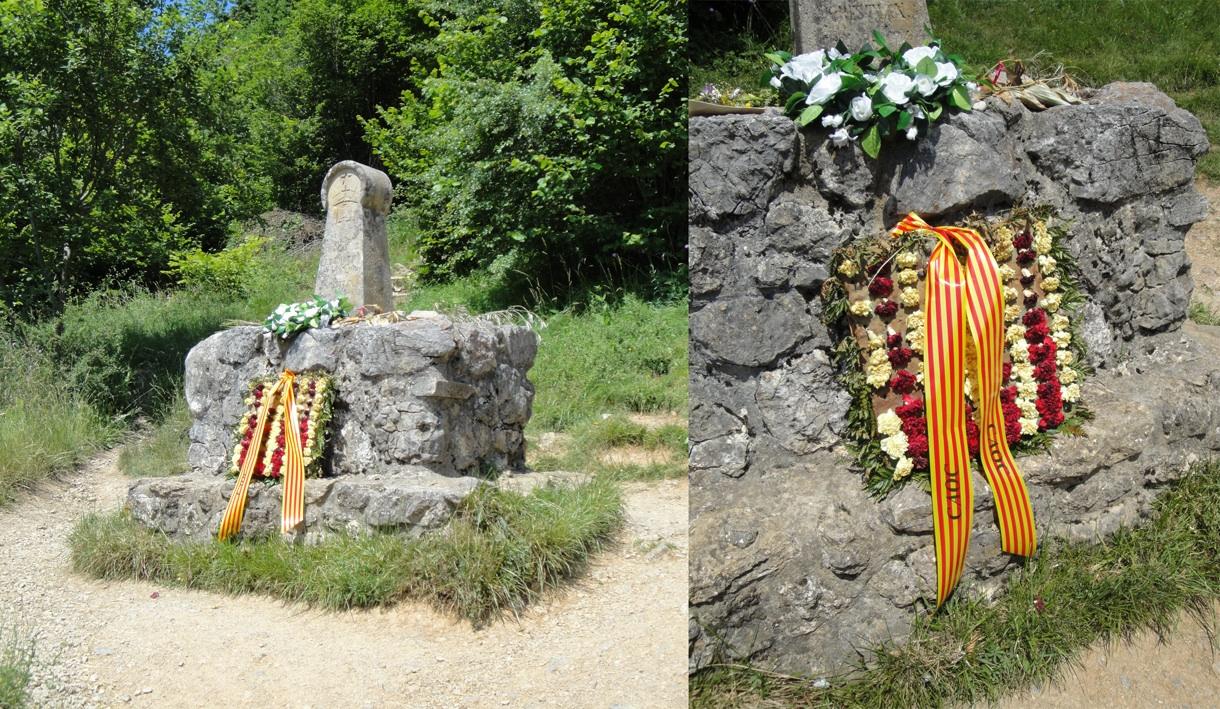 28.06.2009 Ofrena floral del CAOC a l'estela del Camp dels Cremats.  Montsegur -