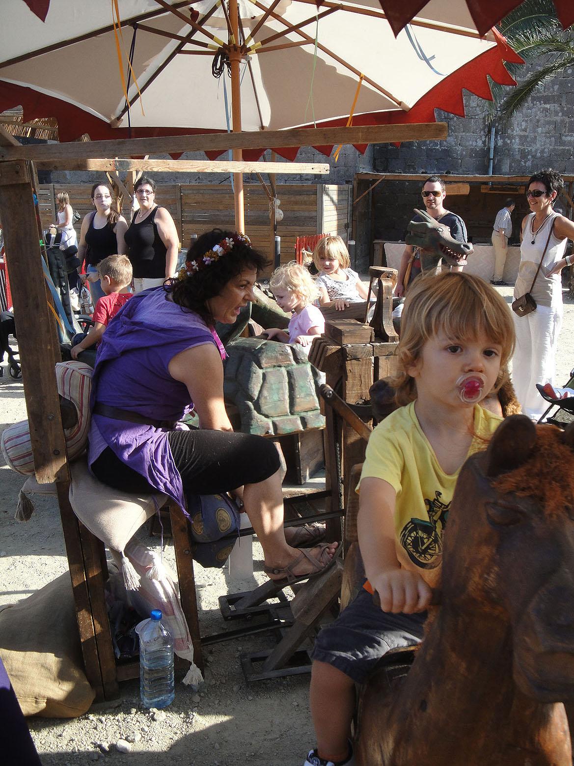 12.09.2010 Atraccions pels més menuts amb sabor medieval.           Castelló d'Empúries -  Jordi Bibià