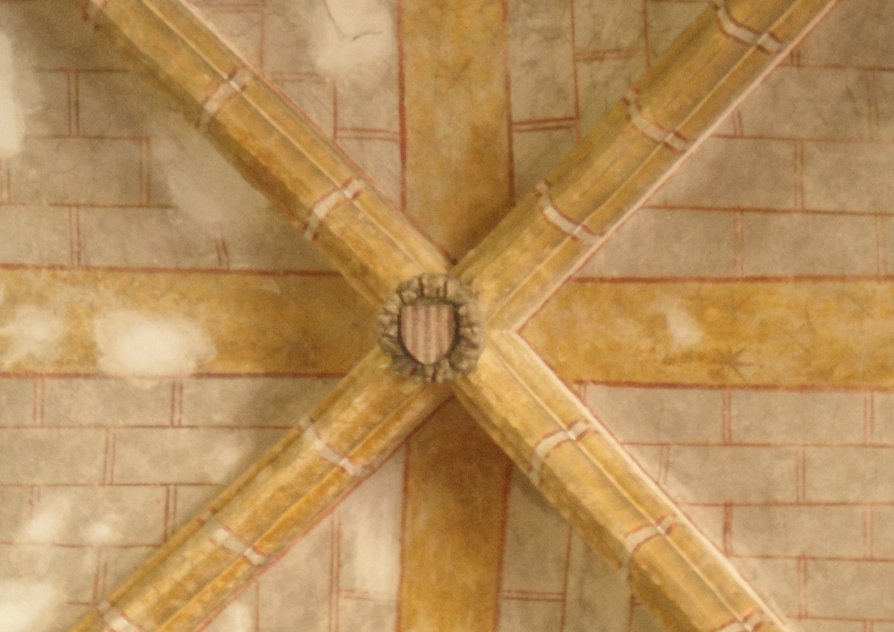 07.09.2011 Clau de volta localitzada en una de les capelles annexes al claustre dels Jacobins. En ella podem veure les 4 barres.  Tolosa del Lleguadoc -  Jordi Bibià