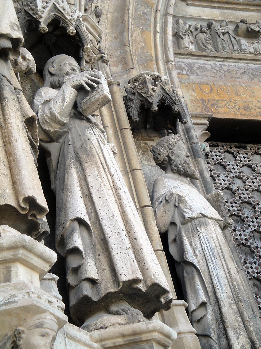 19.06.2012 Part dels grup escultóric de la Basílica de Santa Maria  Morella -  Jordi Bibià