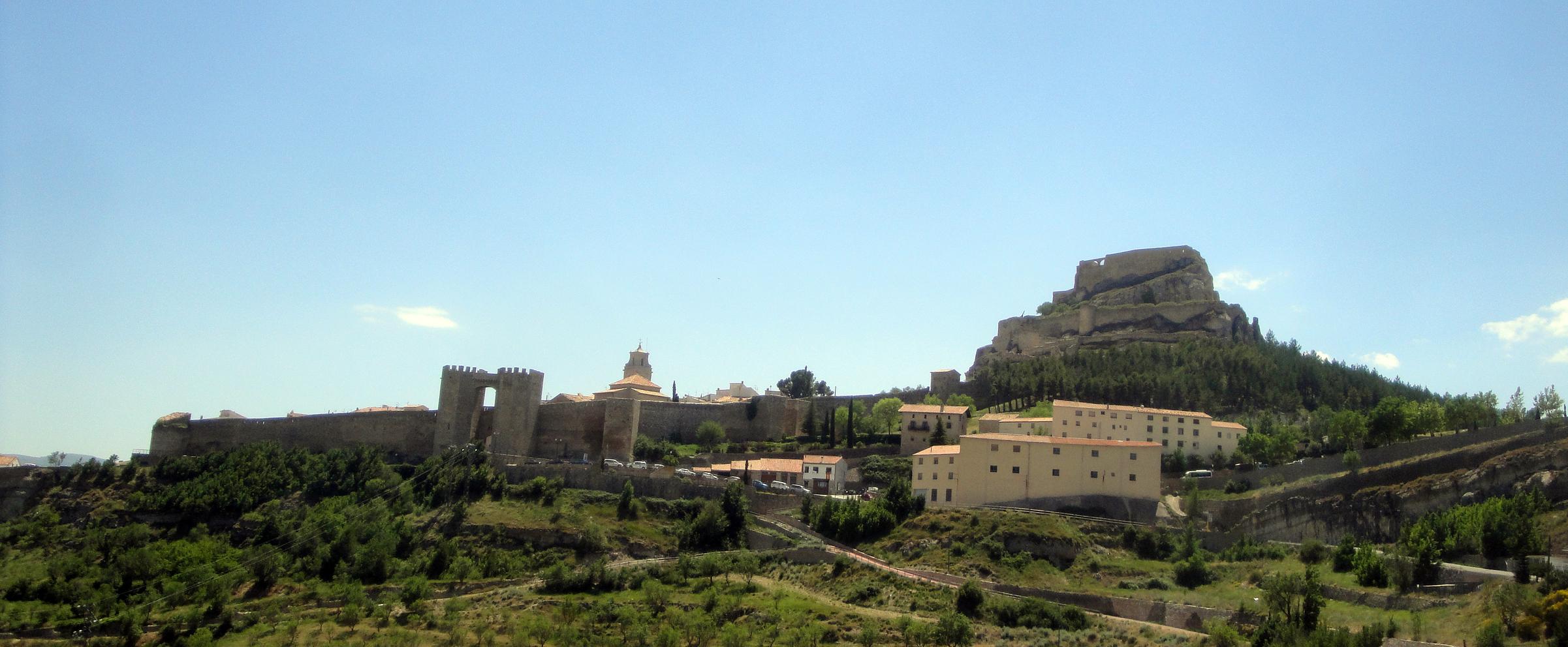20.06.2012 Vista de Morella venint des de la carretera d'Alcanyís  Morella -  Jordi Bibià