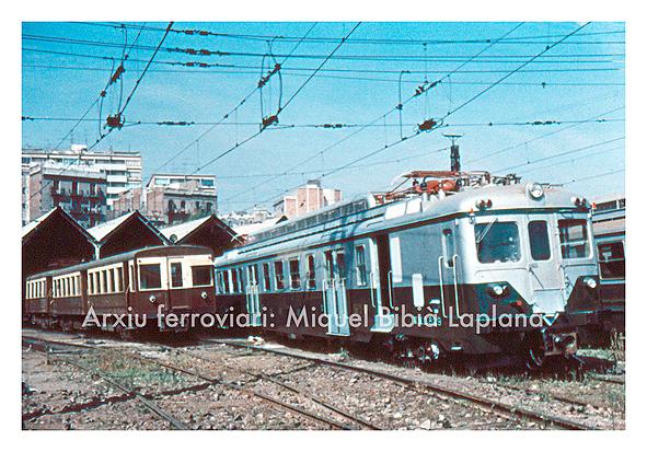14.10.2013 Sèrie 300 i 600.  Estació del Nord. Barcelona. -  Miquel Bibià Laplana