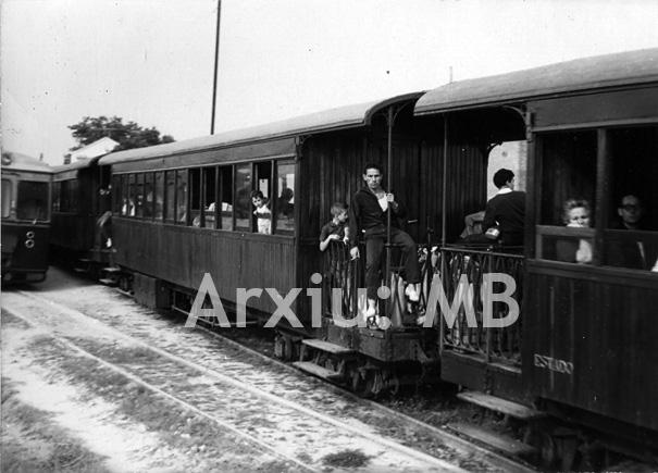 30.11.-0001 Tren de via estreta a l'estació de Móstoles  Madrid -  Miquel Bibià